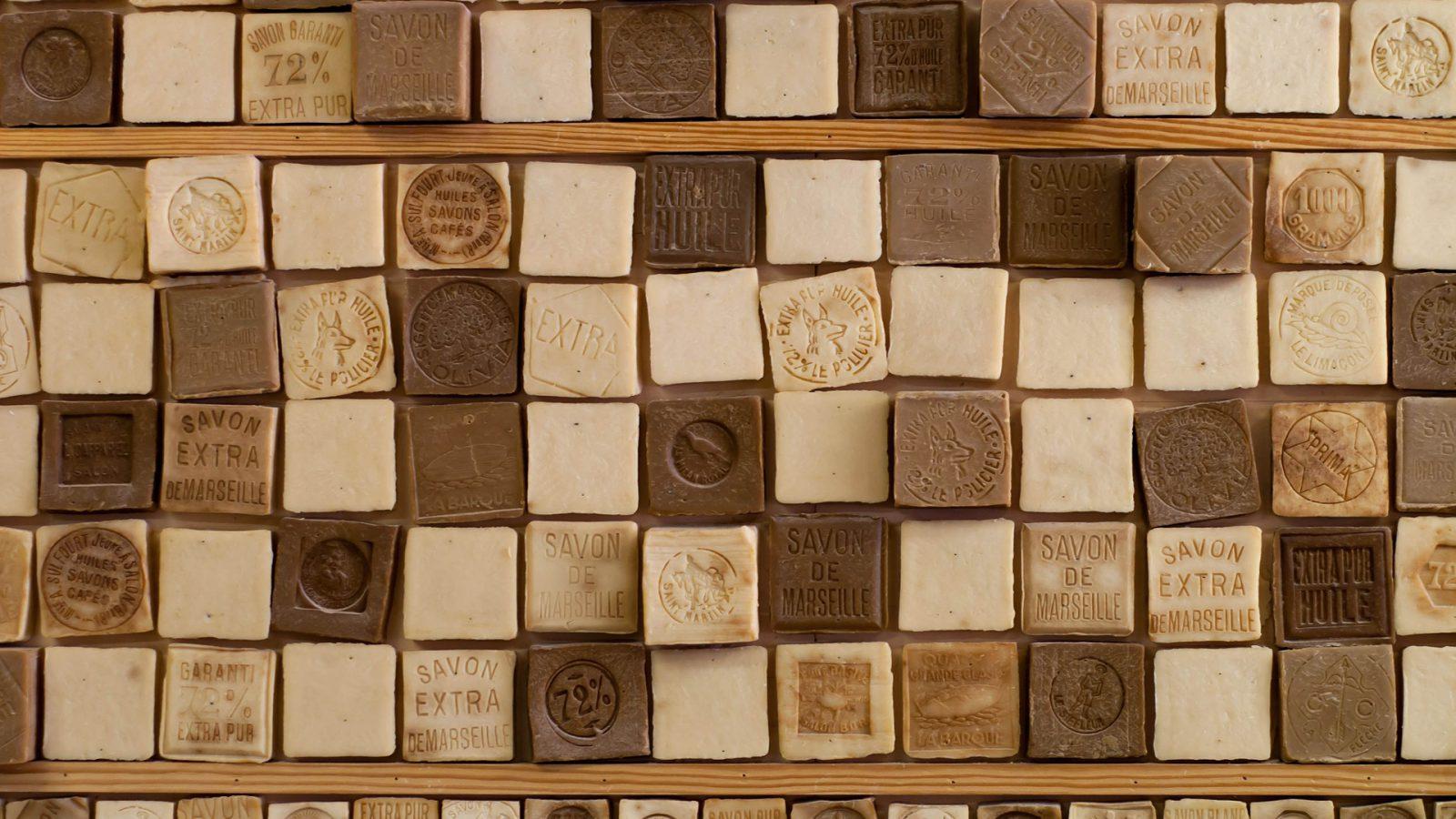mur de savons