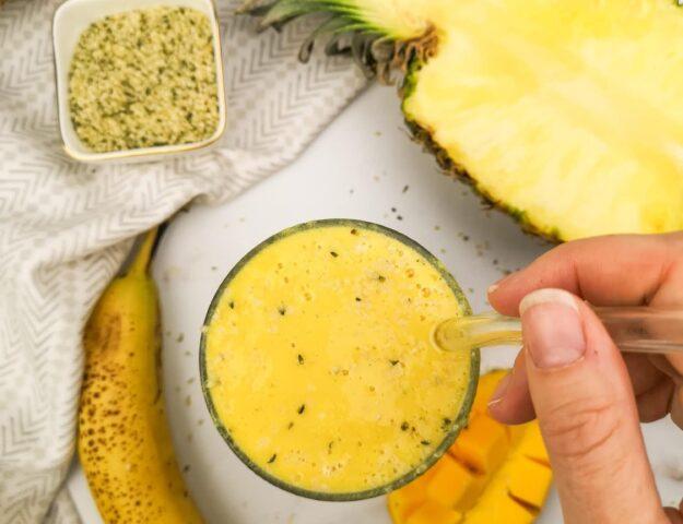 Smoothie jaune tropical