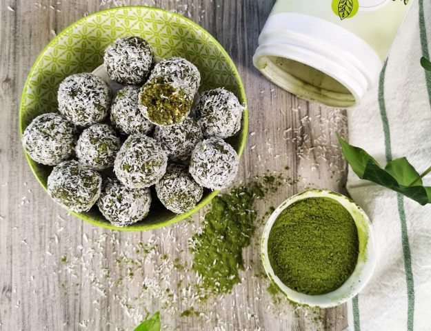 Boules d'énergie protéinées lime et coco
